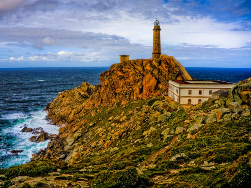 Faro de cabo Vilán, Camariñas, Galicia / Foto: Carlos de Paz [CC BY-SA 2.0] Wikimedia Commons