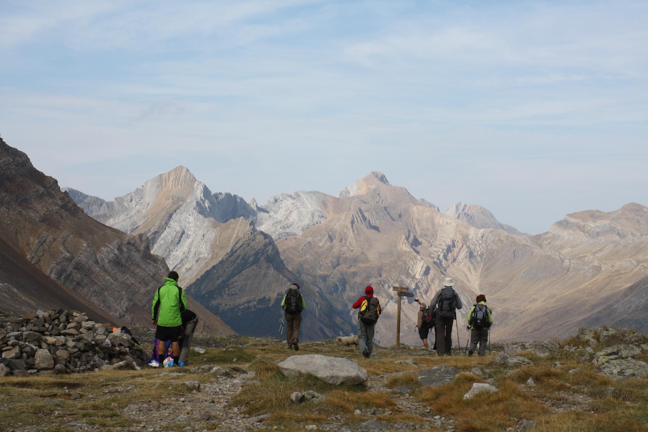 Grandes Rutas y travesías en los Pirineos. GR 11, Alta Ruta Pirenaica y mucho más.