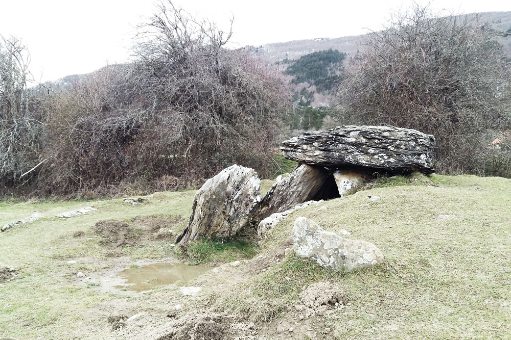 Travesia-pirenaica-isaba-dolmen