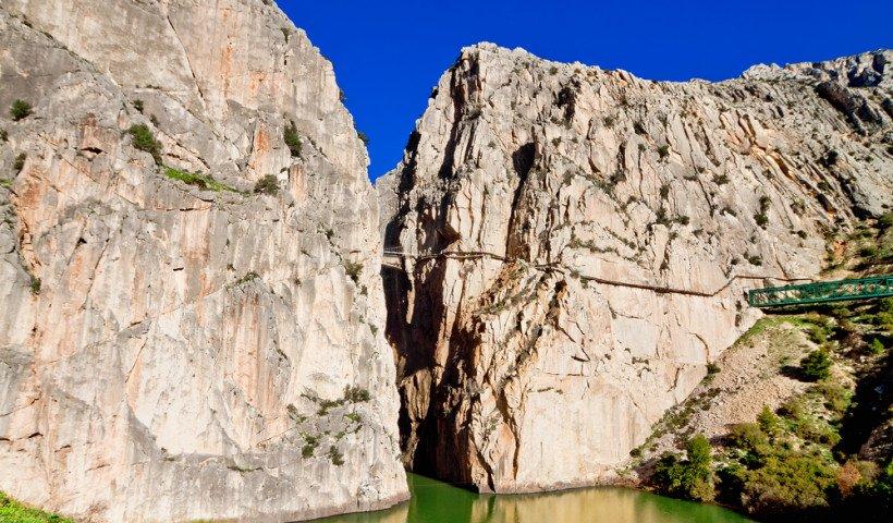 Travesia-pirenaica-El-Caminito-del-Rey-Spain-by-escapehere-1