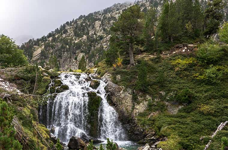 Benasque, Cascada de Aigualluts / Foto: Basotxerri (Wikimedia Commons)