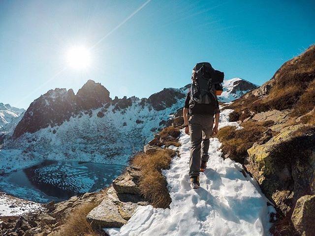 A great hike in the Pyrenees ❄️ || by @baptiste_bilouleloup (Instagram) #travesiapirenaica #Pirineos #Pyrénées #Pyrenees