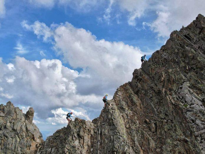 Cresta al Posets. Reto de encadenar las 3 cimas más emblemáticas del valle de Benasque: Aneto, Perdiguero y Posets. Foto cedida