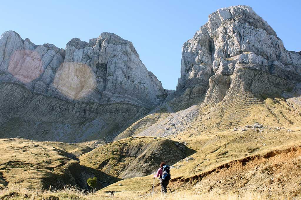 Senda Camille. . Senderismo Pirineos: las mejores rutas circulares por las montañas