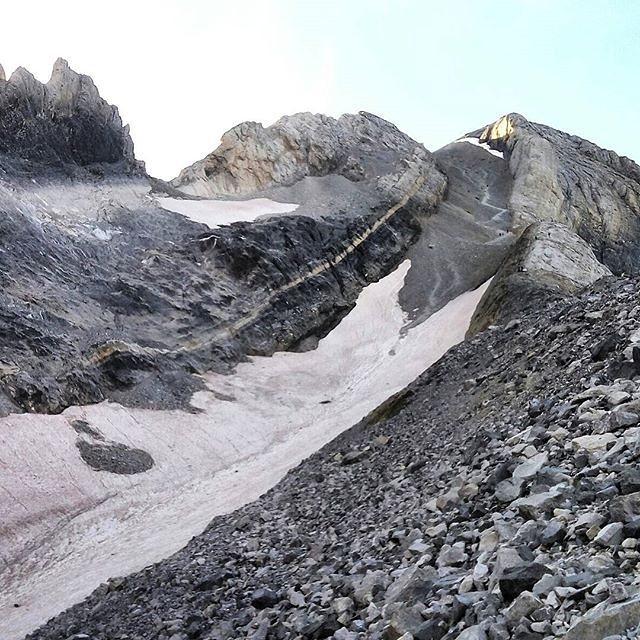 Fotografía montaña Pirineos by @el_txe