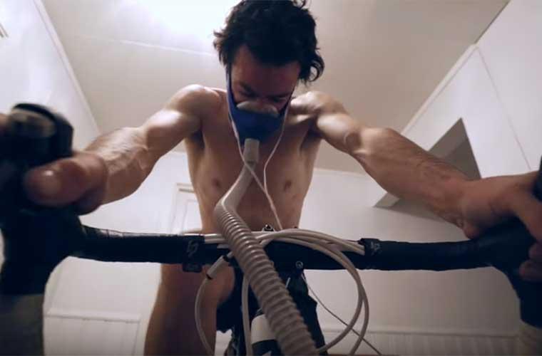 Kilian Jornet entrenando en hipoxia desde casa