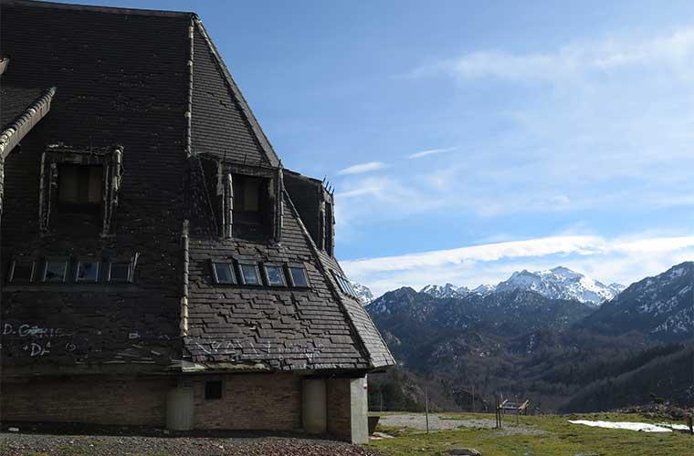 La meta principal del proyecto es darle valor agregado al entorno del Pic d'Anie, además de la promoción de la colaboración entre los refugios de montaña