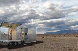 Vive desconectado del mundo: Glamour y sostenibilidad en ésta micro casa sobre ruedas. / Foto:'Living Vehicle'