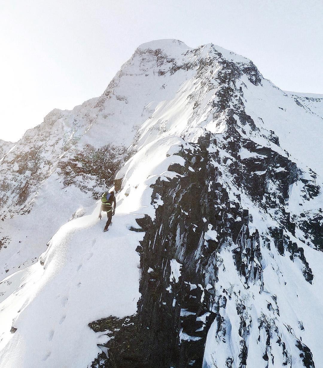 Fotografía montaña Pirineos by @pvignaux