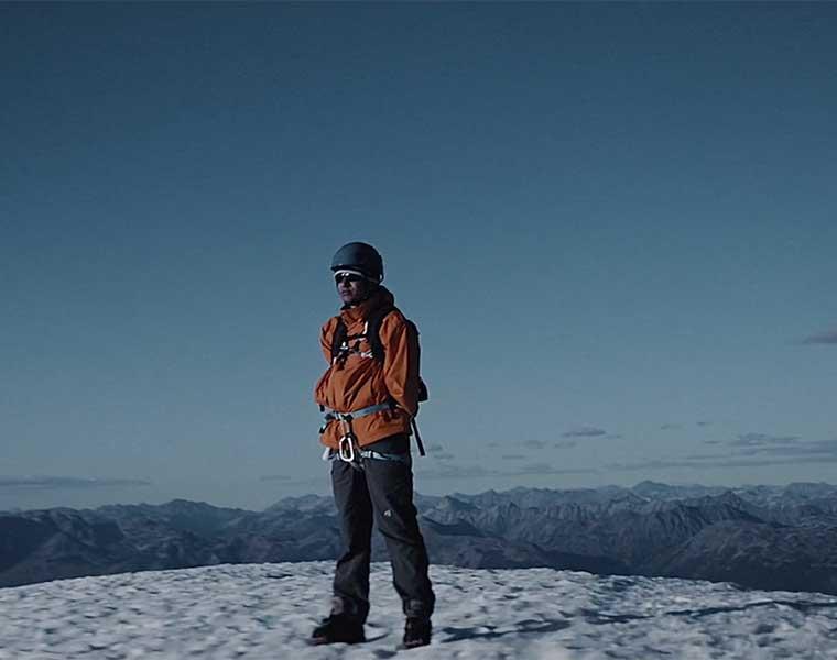 """Start your impossible"", el hombre sin brazos que escaló el Everest"