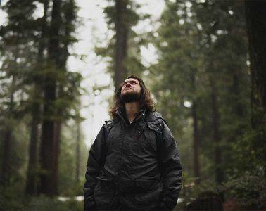 consejos para hacer senderismo bajo la lluvia / Foto: Corey Agopian