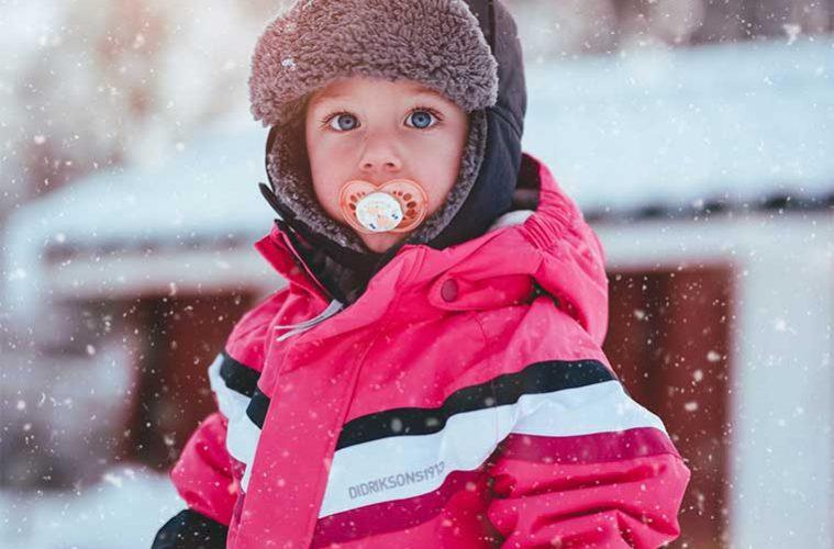 consejos para viajar a la nieve con niños