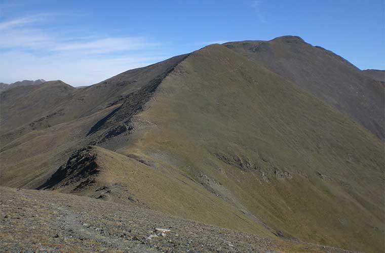 Pico y Coll de Finestrelles / Foto: EliziR (Wikimedia Commons)