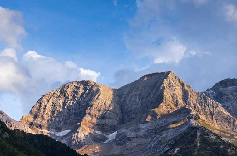 Picos de los Astazou / Foto: Brigitte Djajasasmita (Flickr)