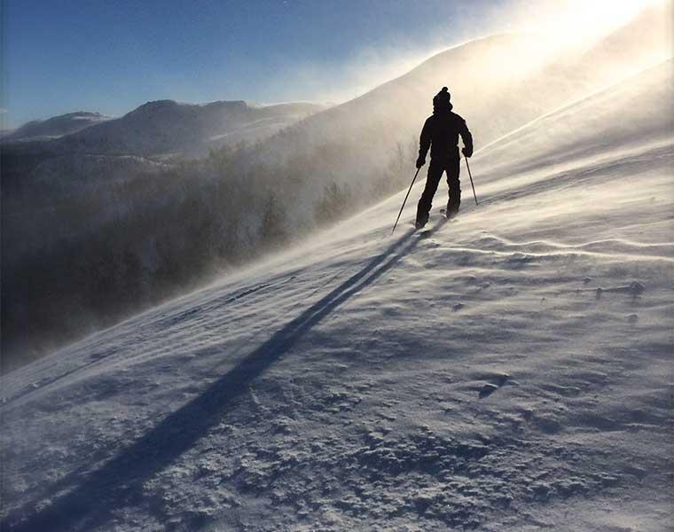 Sé flexible. Esquí de montaña/ Foto: Carina Tysvaer