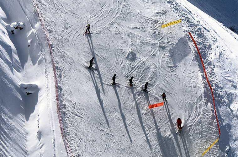 Aprender a Esquiar: consejos prácticos de esquí para novatos / Foto: Toa Heftiba