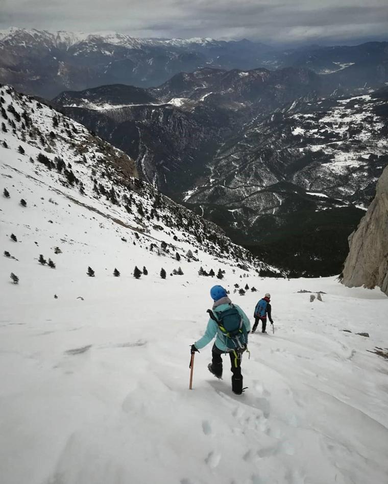 Fotografía montaña Pirineos by @hike.the.world_