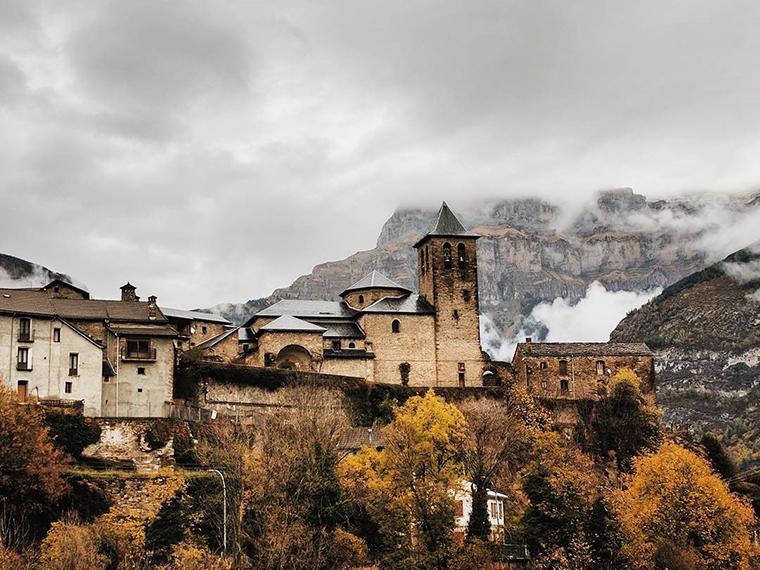 Fotografía montaña Pirineos by @desirecape