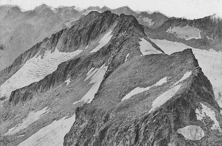 Pic du Milieu et pic de la Maladetta / Foto: Trutat, Eugène (flickr)