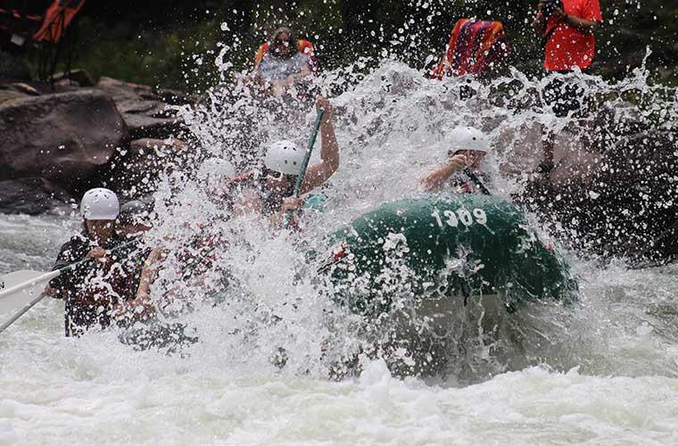 Los mejores lugares dónde practicar rafting / Foto: Julie Thornton