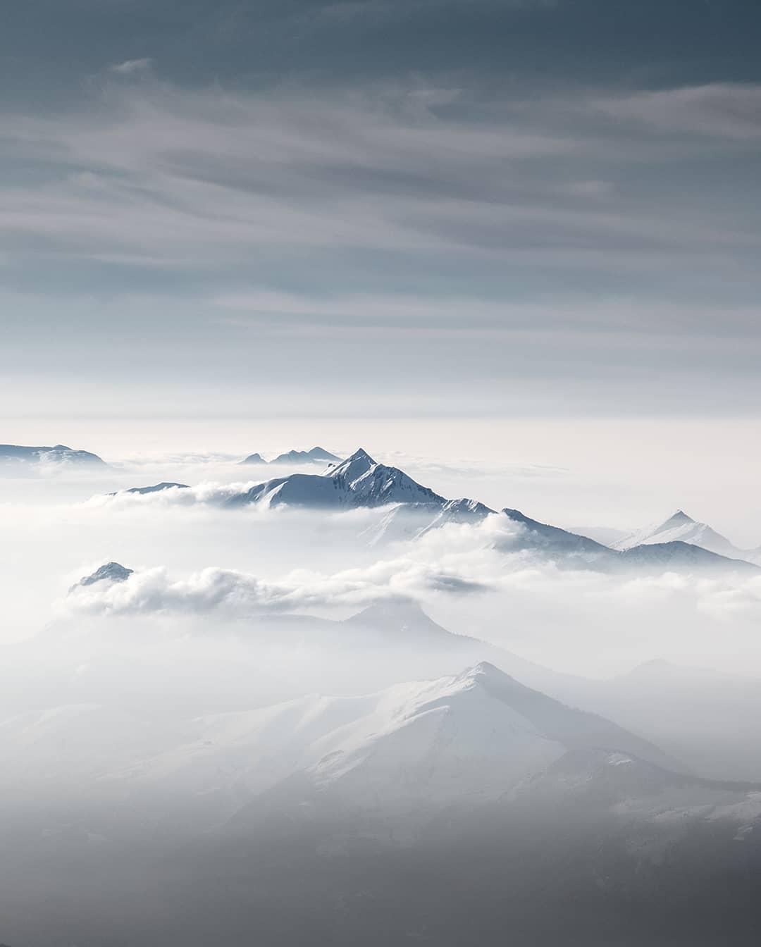 Fotografía montaña Pirineos by @tripinwild