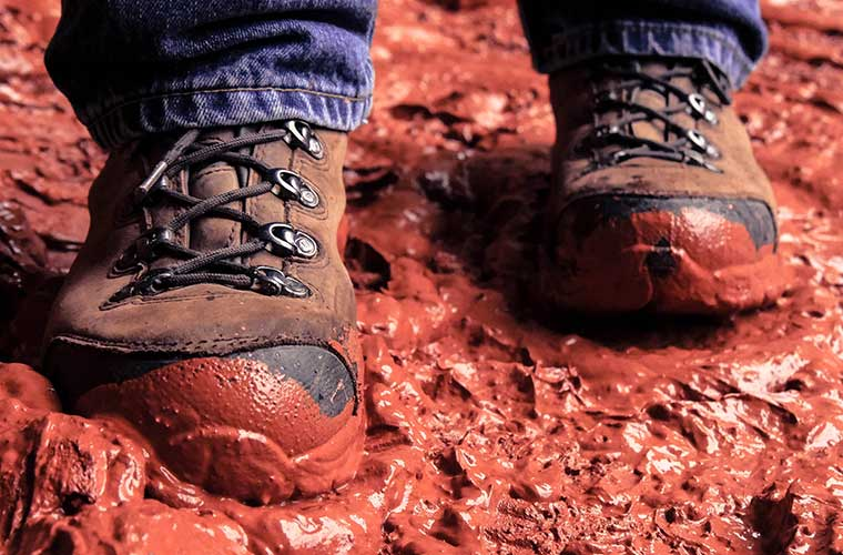 Un calzado adecuado para evitar ampollas en senderismo/ Foto: Ethan Weil