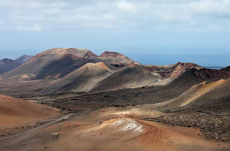 Excursión A Las Montañas De Fuego Timanfaya En La Isla De Lanzarote