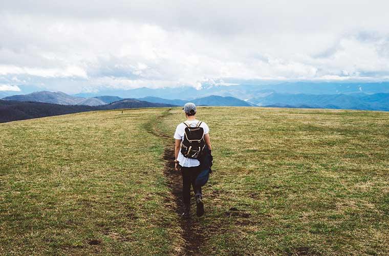 Cierra los ojos un rato e imagina el aroma del romero salvaje y la salvia / Foto: Joshua Ness