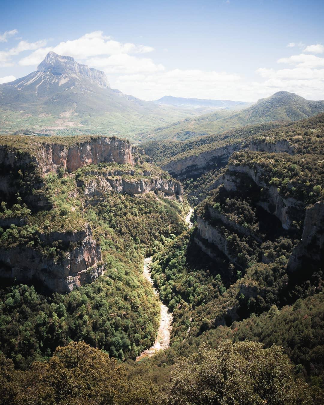 Fotografía montaña Pirineos by @gomezburgio