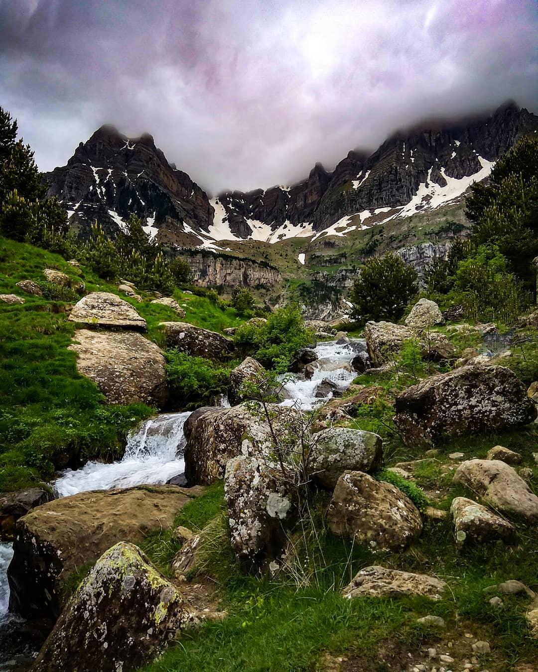 Fotografía montaña Pirineos by @sandra.rocks