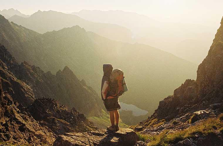 Consejos de accesorios y consideraciones a tener en cuenta para hacer trekking / Foto: Danka Peter