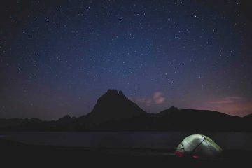 13 consejos para no pasar frío y dormir bien en una tienda de campaña / Foto: Yann Bervas