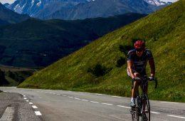 Ciclismo en el Pirineo / Foto: Nelson Lourenço [CC-Public Domain]