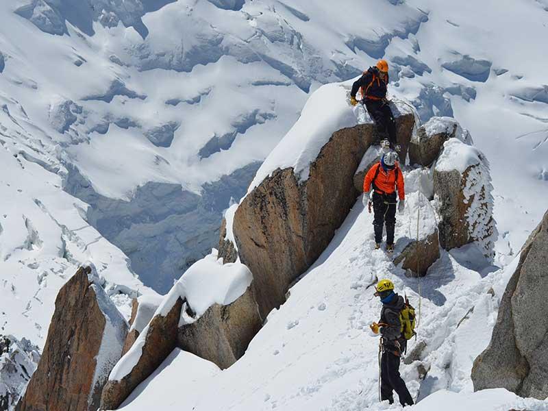 La mejor ropa de montaña / Foto: Charlie Hammond
