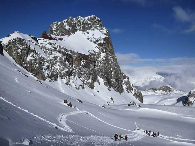 Pico y ibones del Anayet / Foto: JORGE ÁLVAREZ SISAMÓN @jorgechu848 (IG)