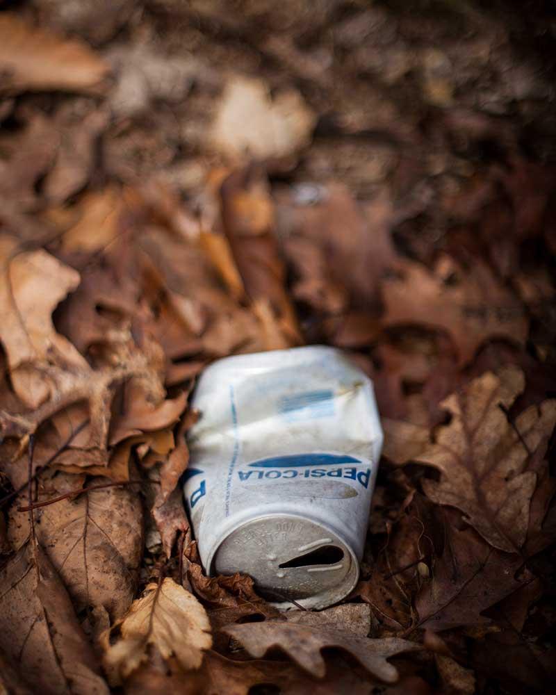 Llévate todos tus desechos o la basura / Foto: Evan Brockett