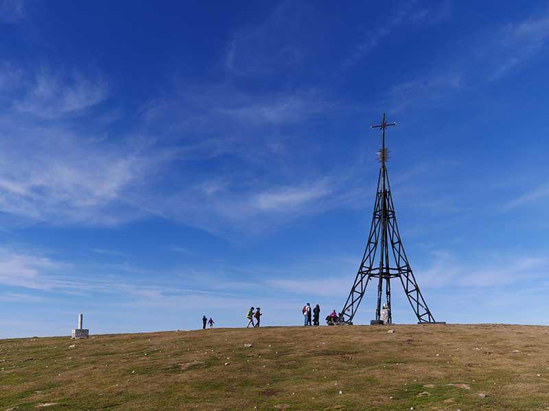 Cumbre y cruz del Gorbea / Foto:  Basotxerri [CC-BY-SA-4.0]