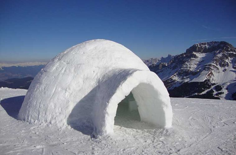 Cómo construir un iglú. Un iglú en Alaska / Foto: Maurizio Ceol [CC-BY-3.0]