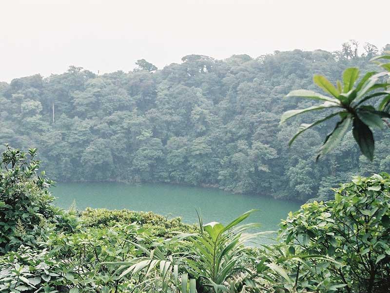 Crater y lago de Cerro Chato / Foto: Lars0001 [Public-domain] vía Wikimedia Commons