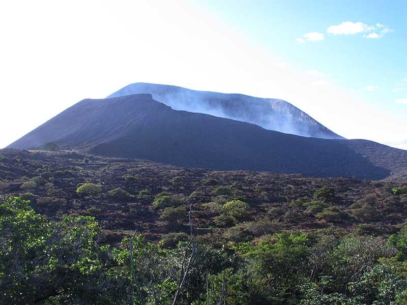 Volcán Telica / Foto: SantiagoGG (CC-BY-SA-4.0) vía wikimedia commons