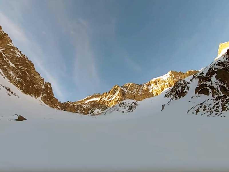 Balaitus por el glaciar de las Neous.