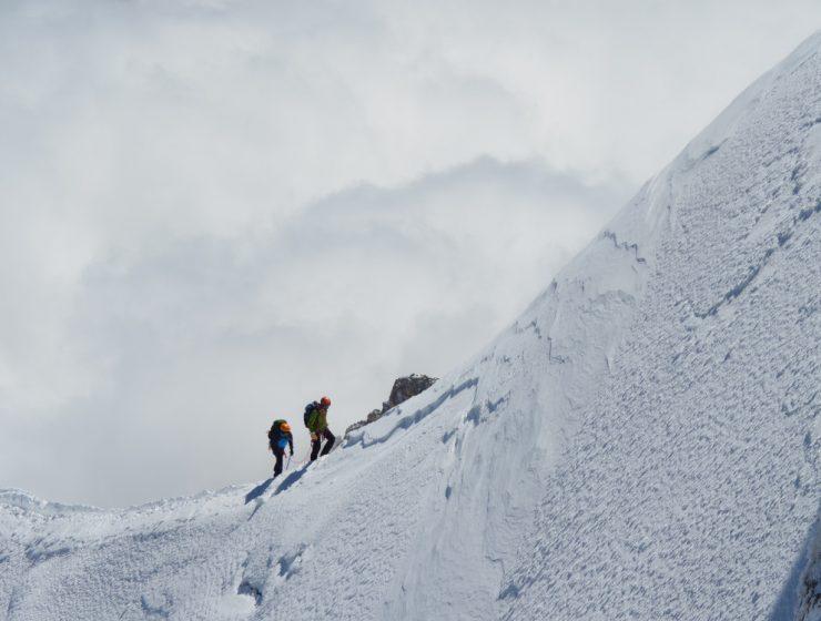 Ascensión al Mont Blanc / Foto: Charlie Hammond (unsplash)