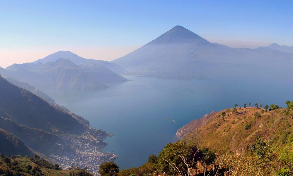 Lago atitlan, Guatemala/ Foto: chensiyuan [CC BY-SA 4.0] Wikimedia Commons