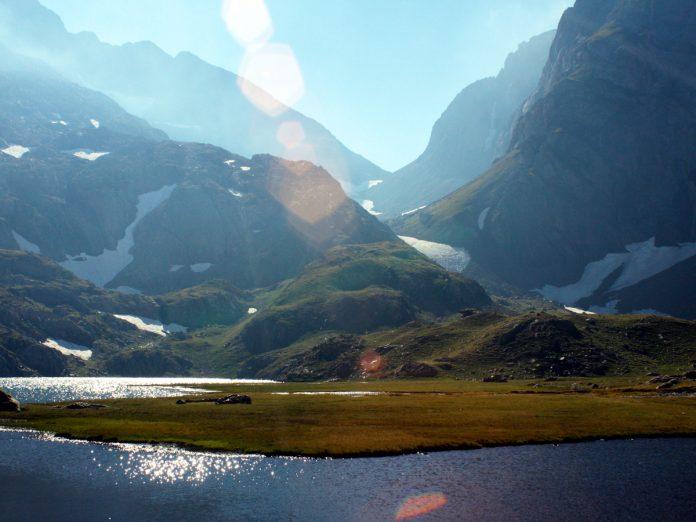 Vista hacia el Cuello del Infierno desde los Ibones Azules. Foto Eduardo Azcona