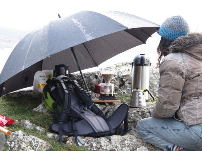 Cómo hacer un café en el aire libre. Amatter Coffee en el Embalse de Ullíbarri-Gamboa. Foto: Eduardo Azcona