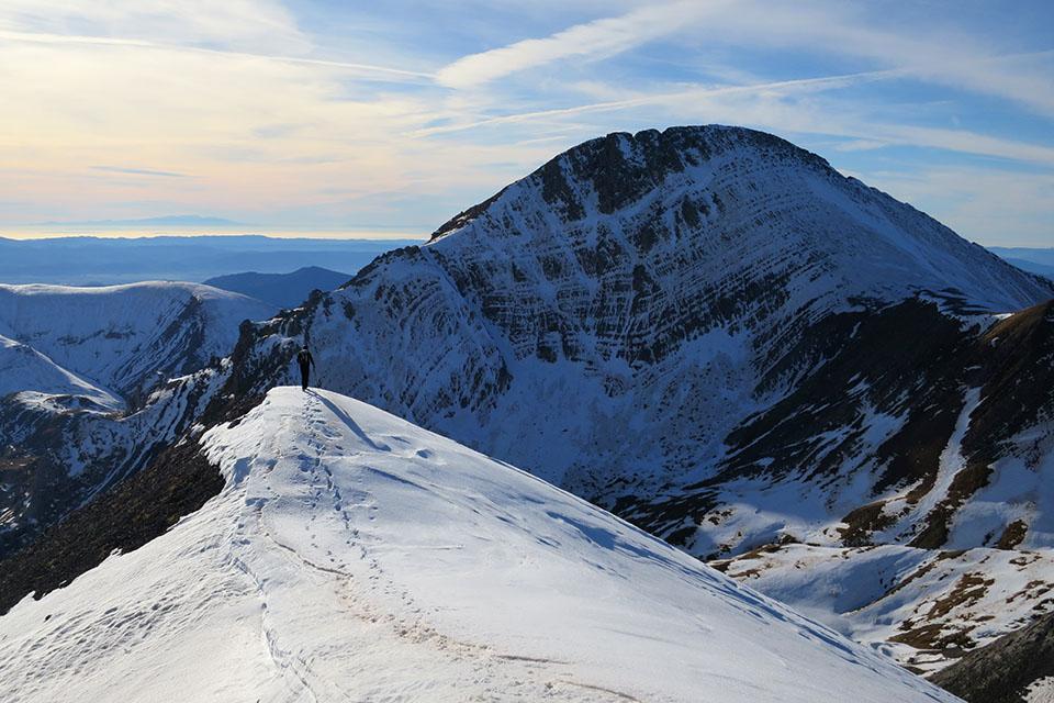 Recorrido circular para ascender a la Llena de la Garganta y la Llena del Bozo. Subida por el paso de Napazal y bajada al cubilar d'o Cantal. // 13,6kms // +1.400m // 6-7 horas // escalada F+