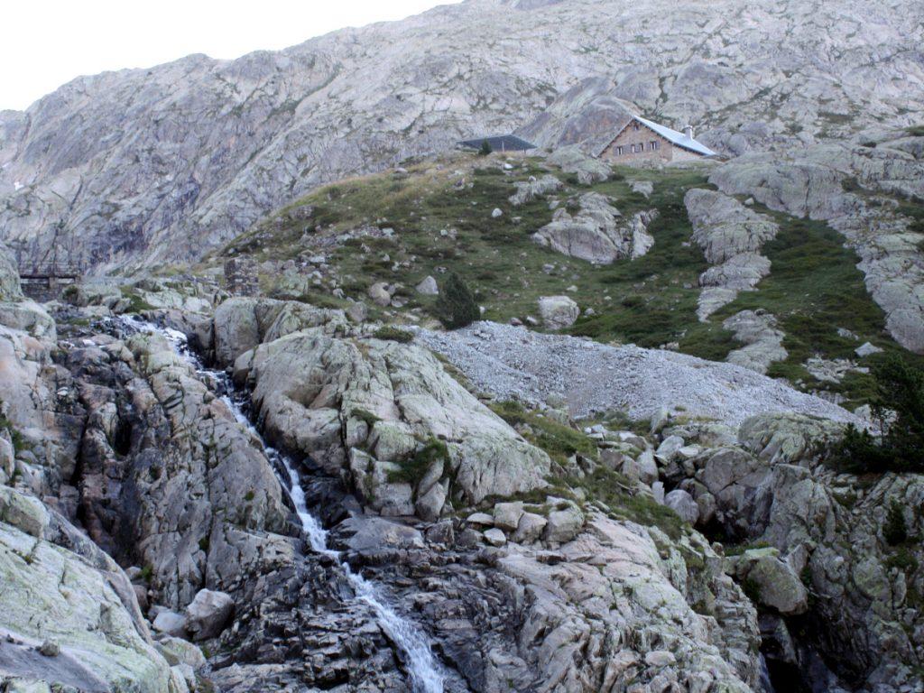 Últimos metros de desnivel para llegar al Refugio de los Ibones de Bachimana. Foto: Eduardo Azcona.